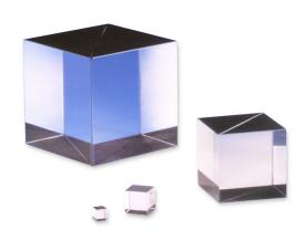 Excelitas offers a wide array of polarization optics, filters and waveplates